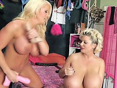 Alura Jenson Bangs The Huge Tits Of Claudia Marie Porn F7
